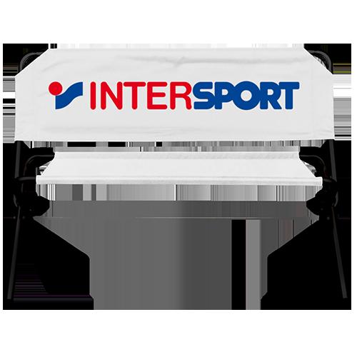 weiße Werbebank mit Intersport Logo