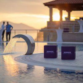 Sitzwürfel von Sophos am Pool