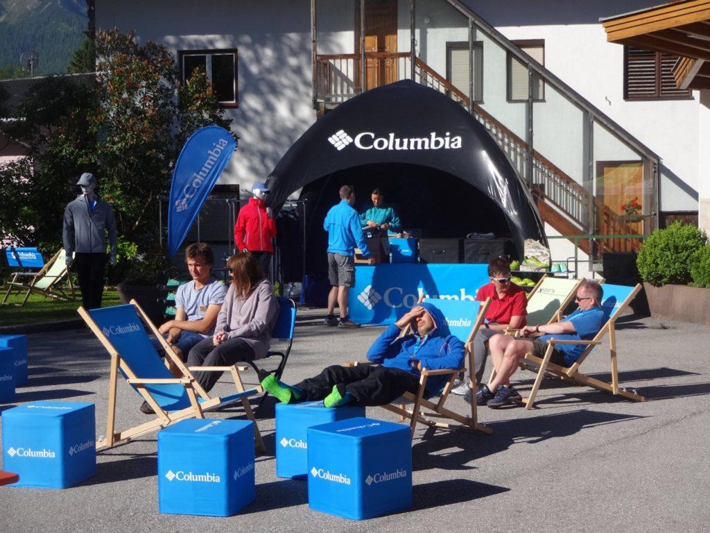 Columbia-Flatcube-Sitzwuerfel-Logobank-Liegestuhl-Eventequipment-drucken.-mobile-Werbung-bedruckt-faltbar-Messe-Event