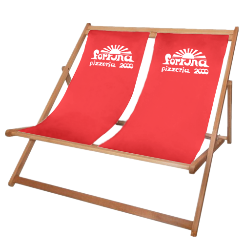 Doppelliegestuhl in rot mit weißem Logo