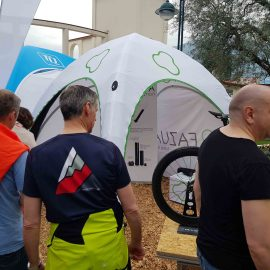 Aufblasbare Zelte bedruckt