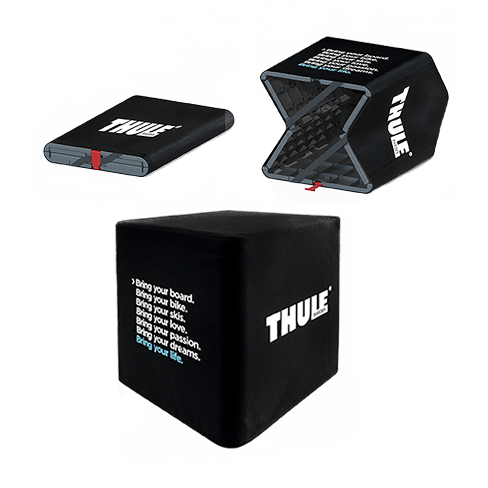schwarzer Sitzwürfel mit Thule logo