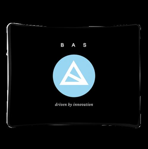 Zipper Wall, kurvig und schwarz mit blau weißem BAS-Logo