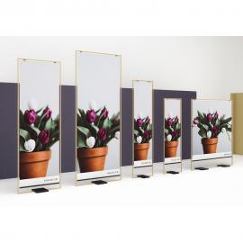 Design POS Display mit Blumen