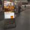 digitaler Kundenstopper mit Werbung von KTM